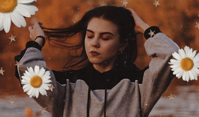 Put,the,'petal',to,the,metal!,We,want,to,see,your,best,edits,using,this,springtime-ready,Replay,,featuring,one,of,our,favorite,flowers,,the,daisy.