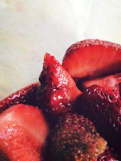strawberries strawberry dodgereffect dramaeffect yummy