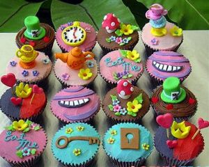 freetoedit cupcake cupcakes madhatter aliceinwonderland