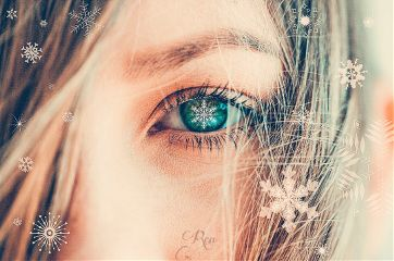 emerald eye sparkling snowflakes eyeedit