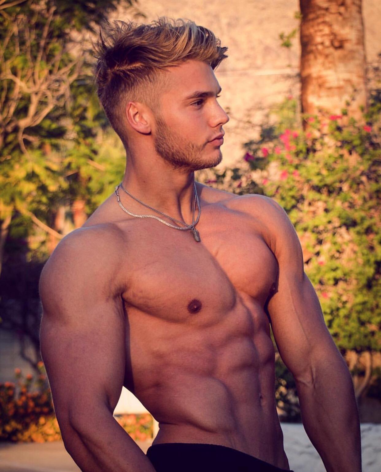 Young Nude Gymnastics Guys Gay Cooper Fills