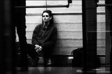 blackandwhite girl listen music alone