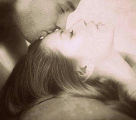 smell love kiss lovely blackandwhite