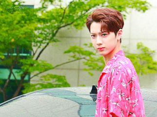 wannaone kuanlin k-pop 韓国 k