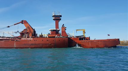 freetoedit tug/barge freighters greatlakes themitten