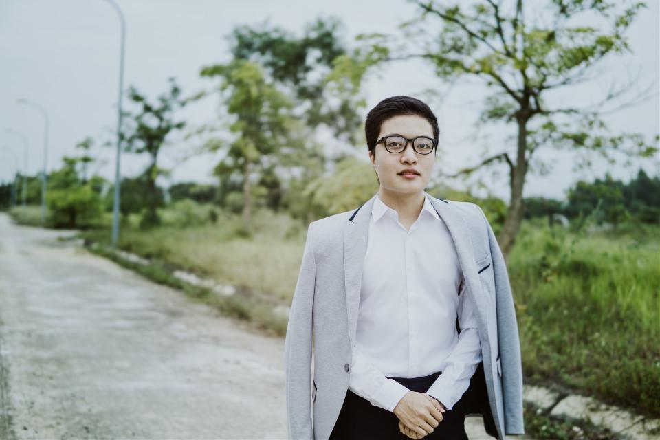 Hi 😘😊😊  #FreeToEdit #tungbui #man #gentleman #suit #fashion
