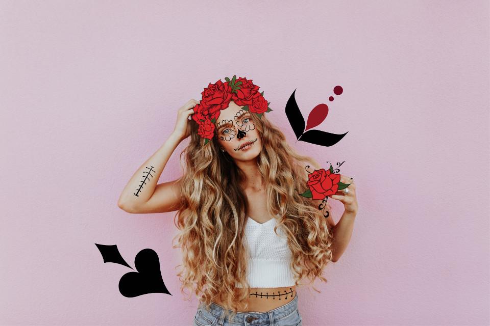 #dayofthedead #spain #dayofdeath #flowers #flowerheadband #girl #curlygirl #blondhair #blondegirl