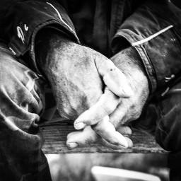 hands workhard oldman blackandwhite streetphotography