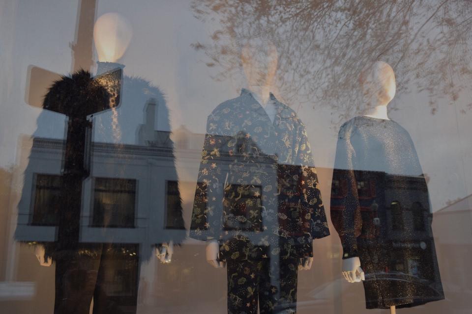 #georgetown #urban #dc #city #streetlife #shopwindow #mannequin #reflection