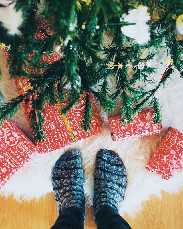 The biggest joys in life are found under the Christmas tree! We're giving this shoutout to fabulous artist @leojimor for creating the perfect Christmas pic! We would love to see your Christmas images, so share or Remix this pic! #Christmas #Tree #ChristmasTree #Presents #Socks #Remix #FreeToEdit