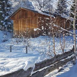 snowday snowfall snowscape cabin hütte