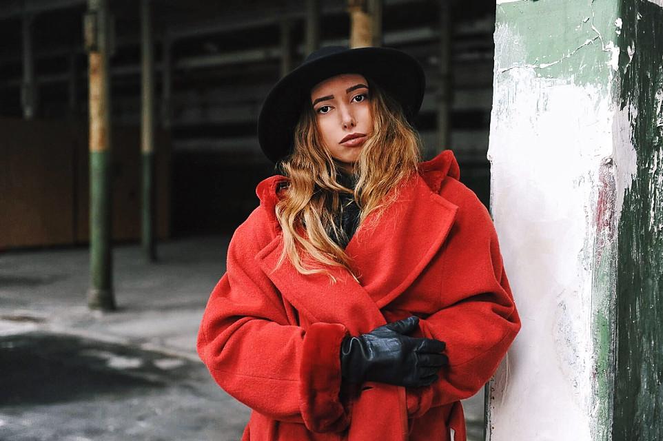 Nobody is perfect ! Instagram: @anukihoffmann  #freetoedit #fashion #fashionreadyremix #fashionart #fashionblogger #influencer #germany #dusseldorf #cologne #model #shooting #look #lookoftheday #beautiful #modeling