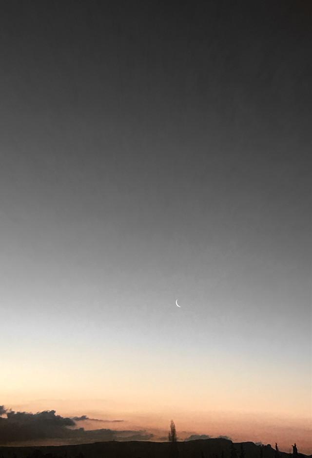 #freetoedit #skylovers #sky #moon #sunrise #morning#picoftheday     Good Morning My Friends 💕💕💕😘      https://youtu.be/z4BsxSZS1kY