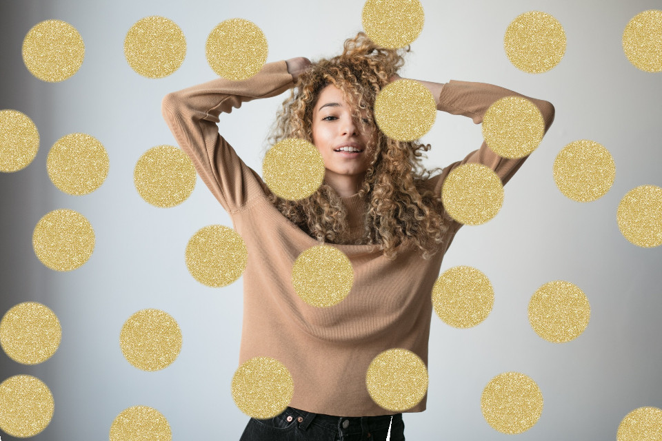 Stay bold by using gold! We are totally diggin' this edit by @raniarts, who remixed the pic by @freetoedit. The touch of gold was made possible by using our new gold brush! Use our new brushes to create artistic edits of your own! #Gold #GoldBrush #Brush #Girl #FreeToEdit