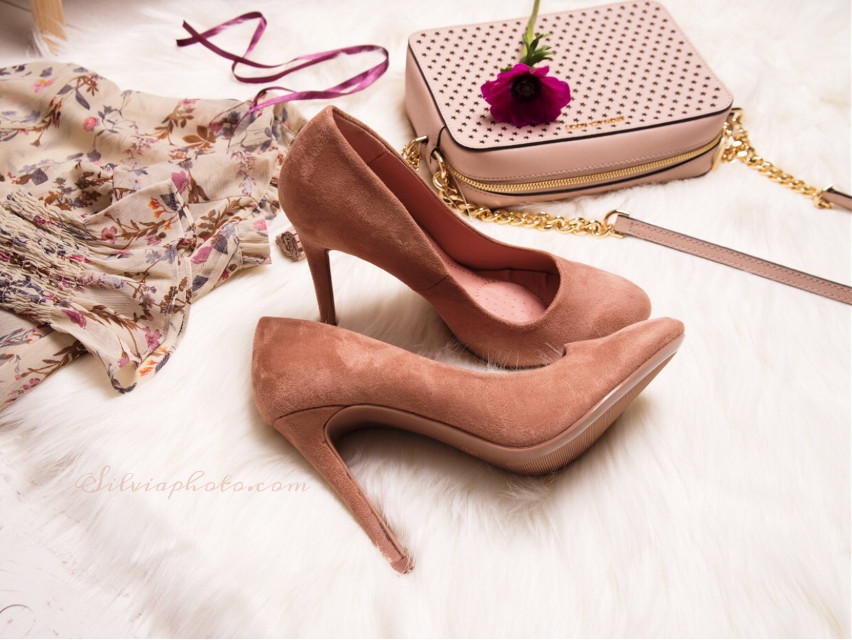 #shoes #shoeslover #shoesoftheday #heelsfashion #stylish #woman #shoesmania #pink #highheels #love #fashion #photographer #polishgirl