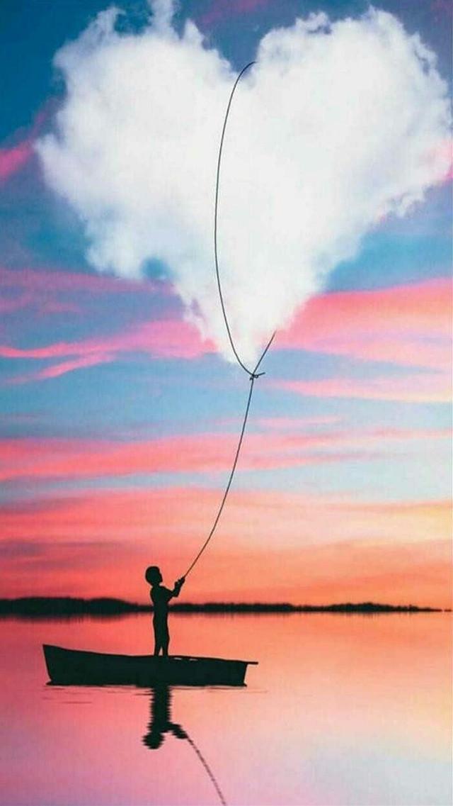 بيحسدونى على اللى منى راح طب إحسدونى على الجراح يمكن تهدى شويه م الألم يمكن أنسى شوية ندم يمكن ألقى ..أى حل عشـان مـن الَـهـّم يوم إنى أرتاح  🍃🌸🍃🍃🍃🍃🍃🍃🍃🍃🍃🍃🌸🍃 #cartoon #man #sea #alone #art #sunset #catch #heart #sky  #freetoedit