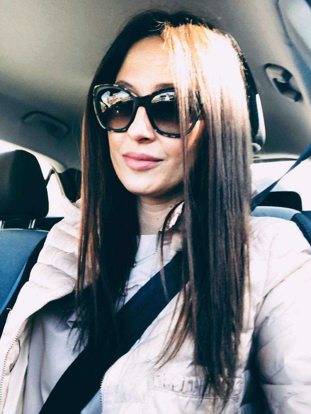 Hello world☀️🌈 #polishgirl #happy #weekend #sogood #me #pictureoftheday #portrait #longhair #brunette