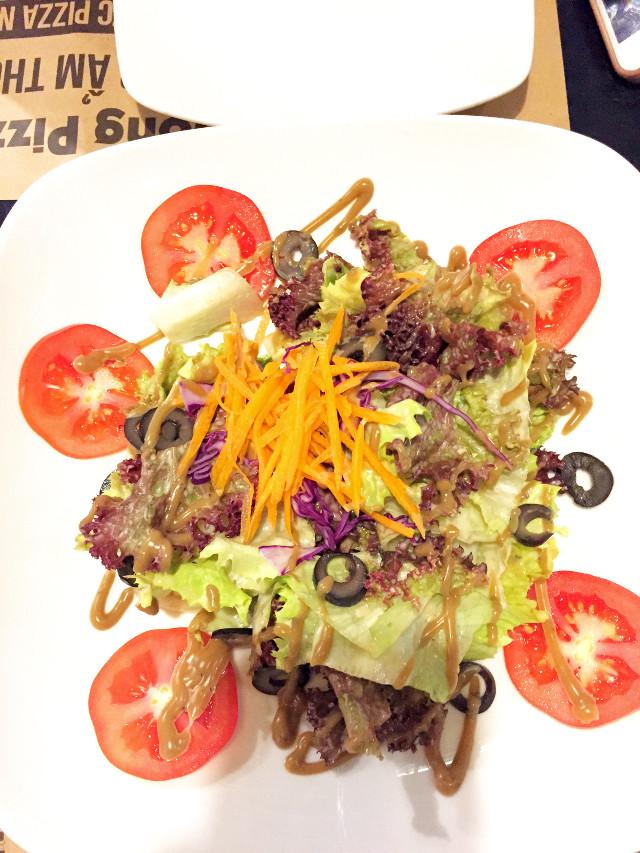 Fresh salad to detox my body #freetoedit #salad #tomatos #vegetable #fresh #lovefoôd #pcpurewowhealthfood #purewowhealthfood