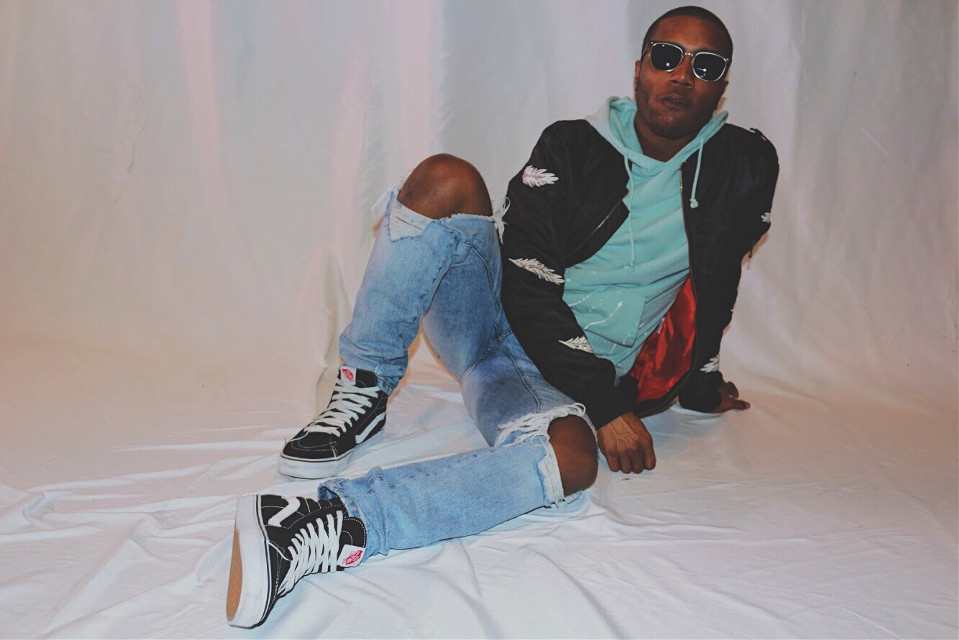 😈I'm Ice cold baby I told ya❄️ . . . . . . . . . . . . . #Photography #Portrait #Studio #Canon #650D #05 #Model #Vans #Kicks #Denim #Futography #Shotbyyanni #Thrasher #Frank #Vibes #Finesse #Shades #Goat #Picsart #Fun #Followforfollow #Like4like #Instagood #Instalike #Throwback #Summer #Fit #Skate #freetoedit