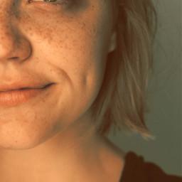green bob halfface freckles dimple freetoedit