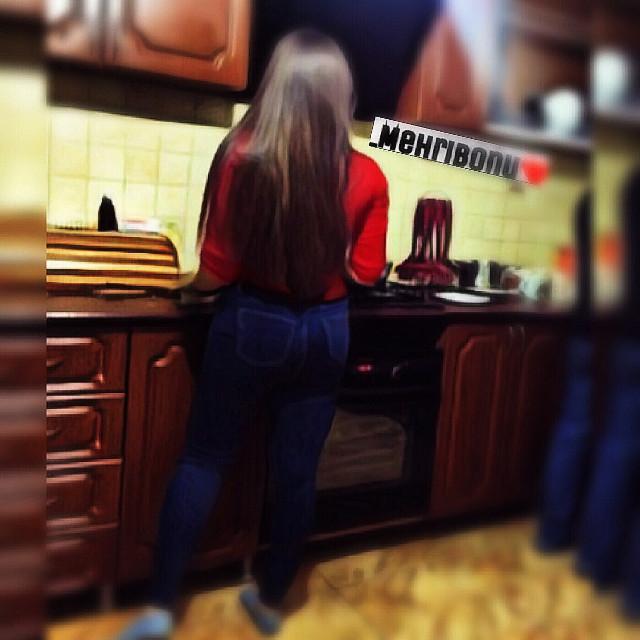 ❤️HAVE A SWEET DAY MY DEAR FRIENDS❤️#Me#Mehribonu#janna❤️#Cookingtime#interesting #redtshirt#Uzbekgirl#lovely#beautiful#patty#gorgouse#imhappy#reddress#photography #MEHRIBONU❤️ #style #stunninggirl