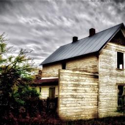 angeleyesimages landscapephotography landscape utah utahlandscape scary scaryhouse