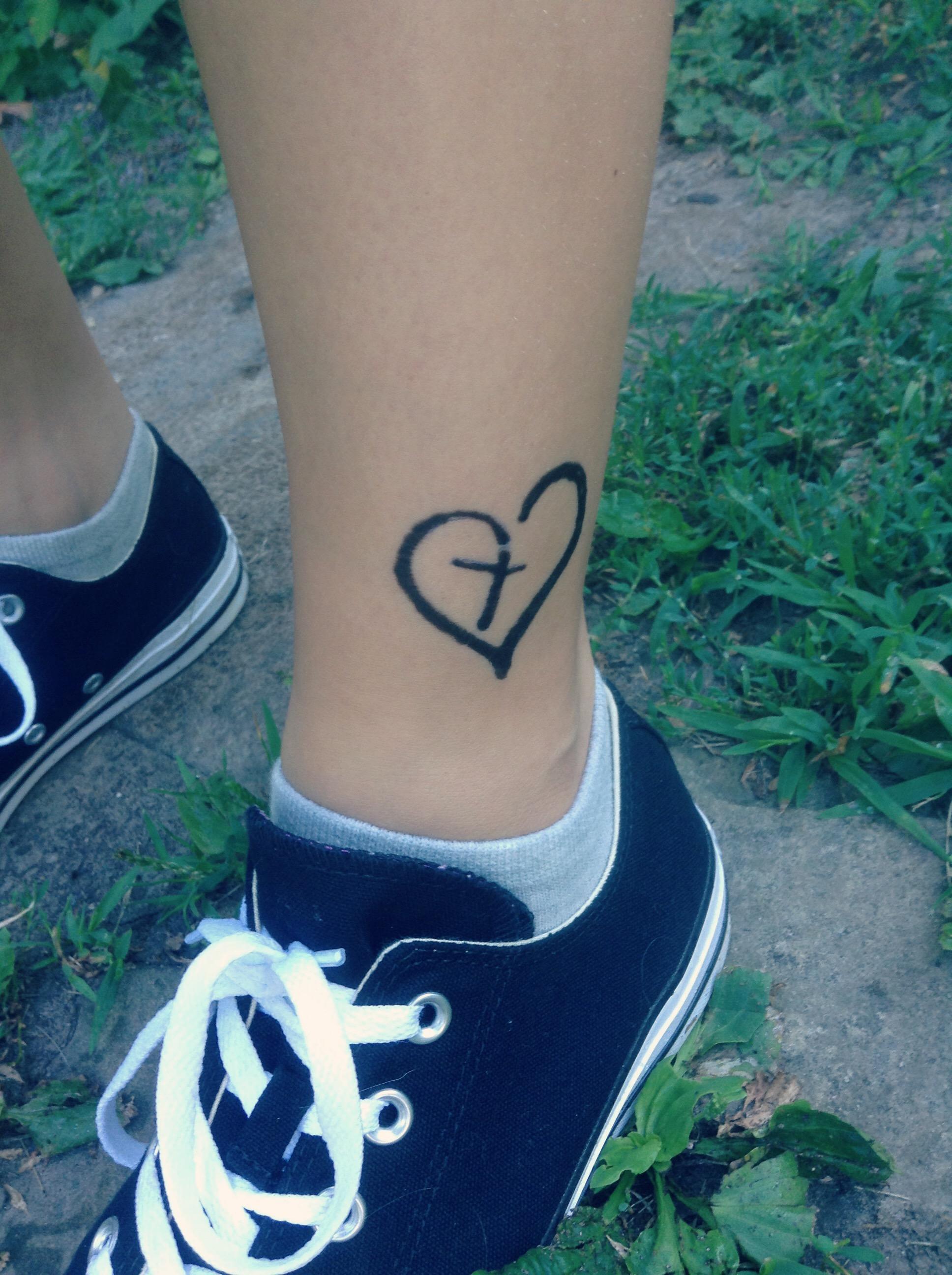 converse tatoo
