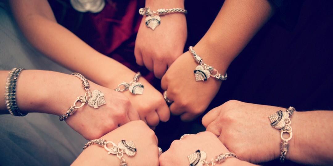 #bracelet #weddingparty #bridemaides #halloweenwedding