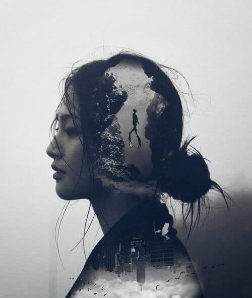 #freetoedit #girl #woman #sea #city #swim #clouds #birds #differentworlds #bedifferent #blackandwhite #beauty #becreative #like #pleaselike