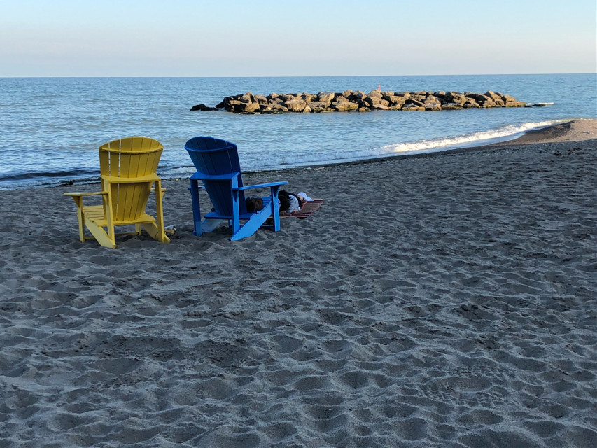 #canada #toronto #beach #sky #lake #sand #chair #relax #blue #yellow #photography #photo #freetoedit