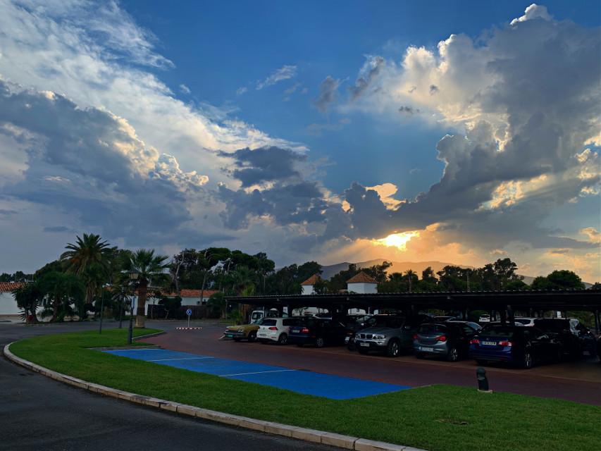 Despues de ~🏌🏻♂️🏌🏻♀️~* . #paradordelgolf #atardecer #sumset #sunsetlover #lovesky #malagadecine #colormediterraneo #golflife #golfclub