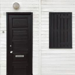 blackandwhite woodenhouse doorandwindow lamp softgrungetextures freetoedit