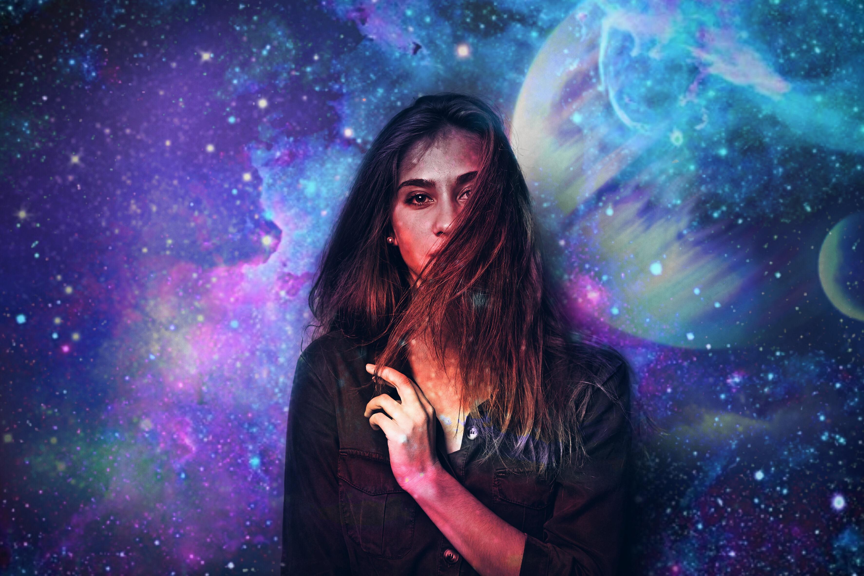 Картинки девушки и галактика