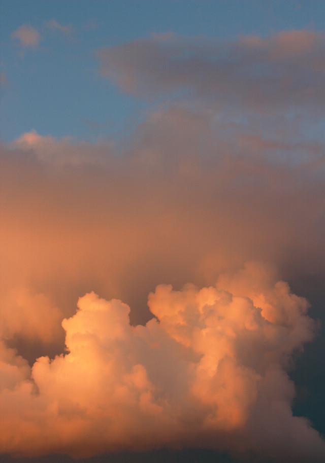 #freetoedit  #nature #skyandclouds #endoftheday #goldenhour #rainyclouds #beautifulcloudsformation #sunsetlightrefection #naturephotography
