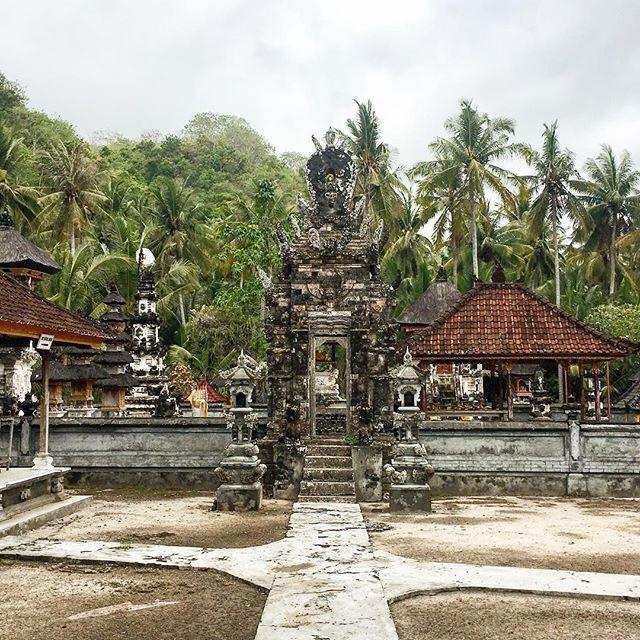 @camillemnrr on IG - #temple #bali #nusapenida #cristalbay #indonesia #travel #photography