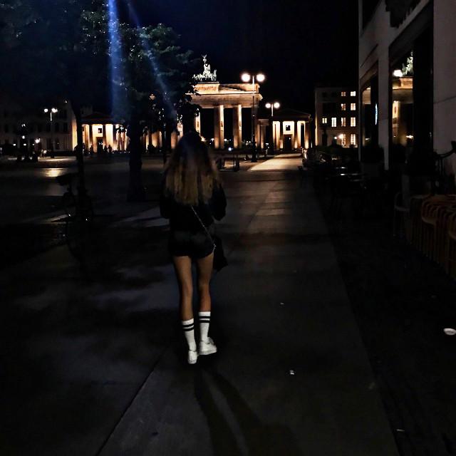 #BERLIN - Du bist so wunderschon!   #freetoedit #bigcitylife #bigcitylights #brandenburgertor #berlinart #anukihoffmann #germany #deutschland #germangirl #people #summer #fashionblogger #myoutfit #ootd #inspiration