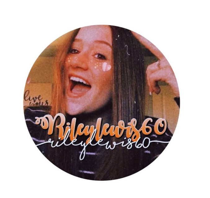Thanks for the icon @needyariana_ i love it so much!! Im not gonna use it yet as it doesnt match my theme 🧡🧡🧡 #rileylewis #icon #pfp #orange
