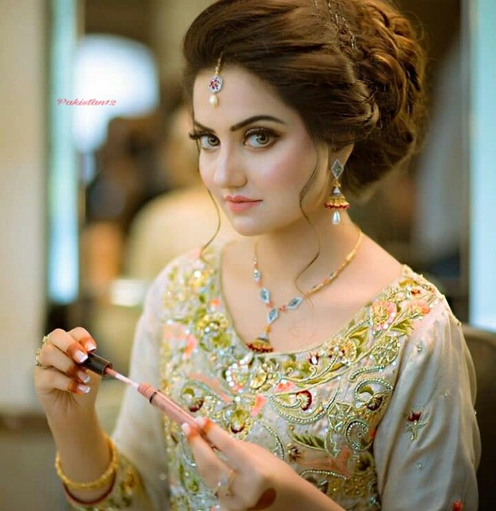 Beautiful bridal makeup pics pakistani