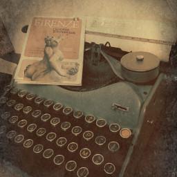 vintagephoto vintage typewriter antiques