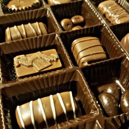 freetoedit myoriginalphoto boxofchocolates lifeislike likeaboxofchocolates pcchocolate