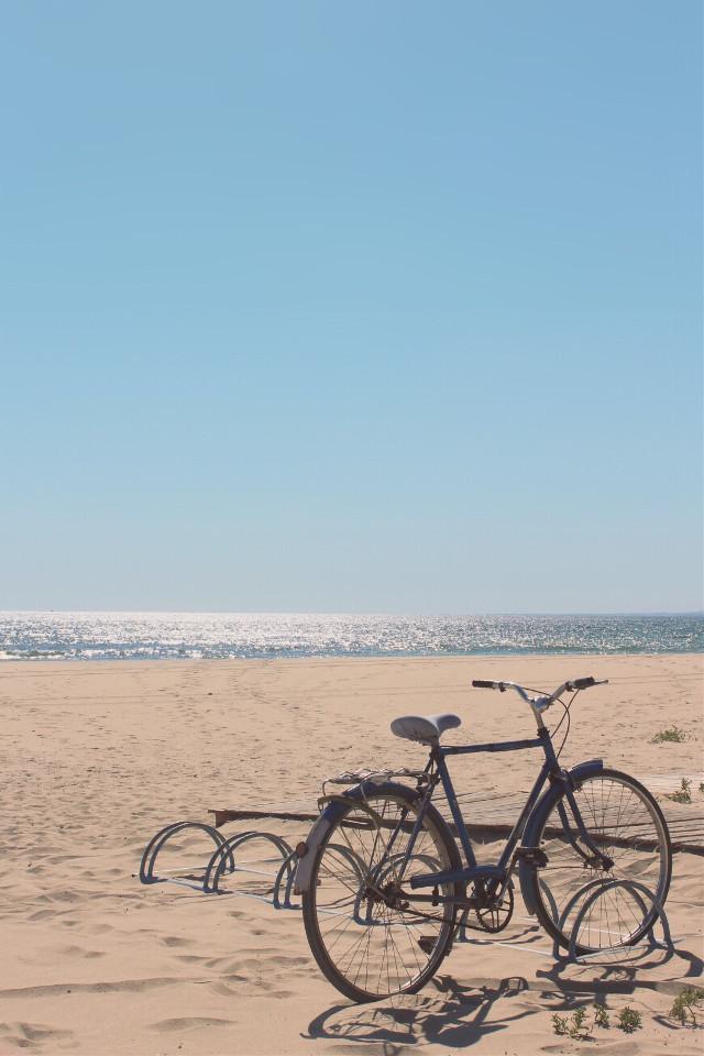#wentforawalk  ...it was a #beautifulday #atthebeach #bycicle #parked #seaview #horizon #beachvibes #brightsunnyday #bigbluesky #sunnylightandshadows #lowangleview #goodvibesonly ✌🏼  ... see you...    •  #freetoedit