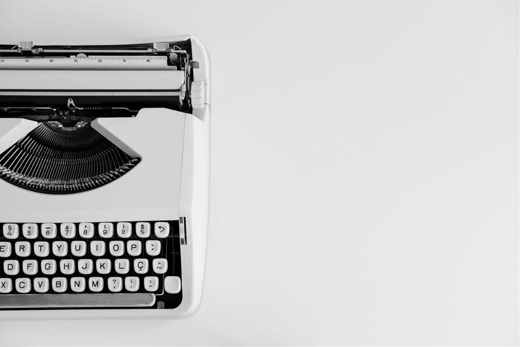 Create a new mood for this image. Unsplash (Public Domain) #Typewriter #vintage #retro #freetoedit