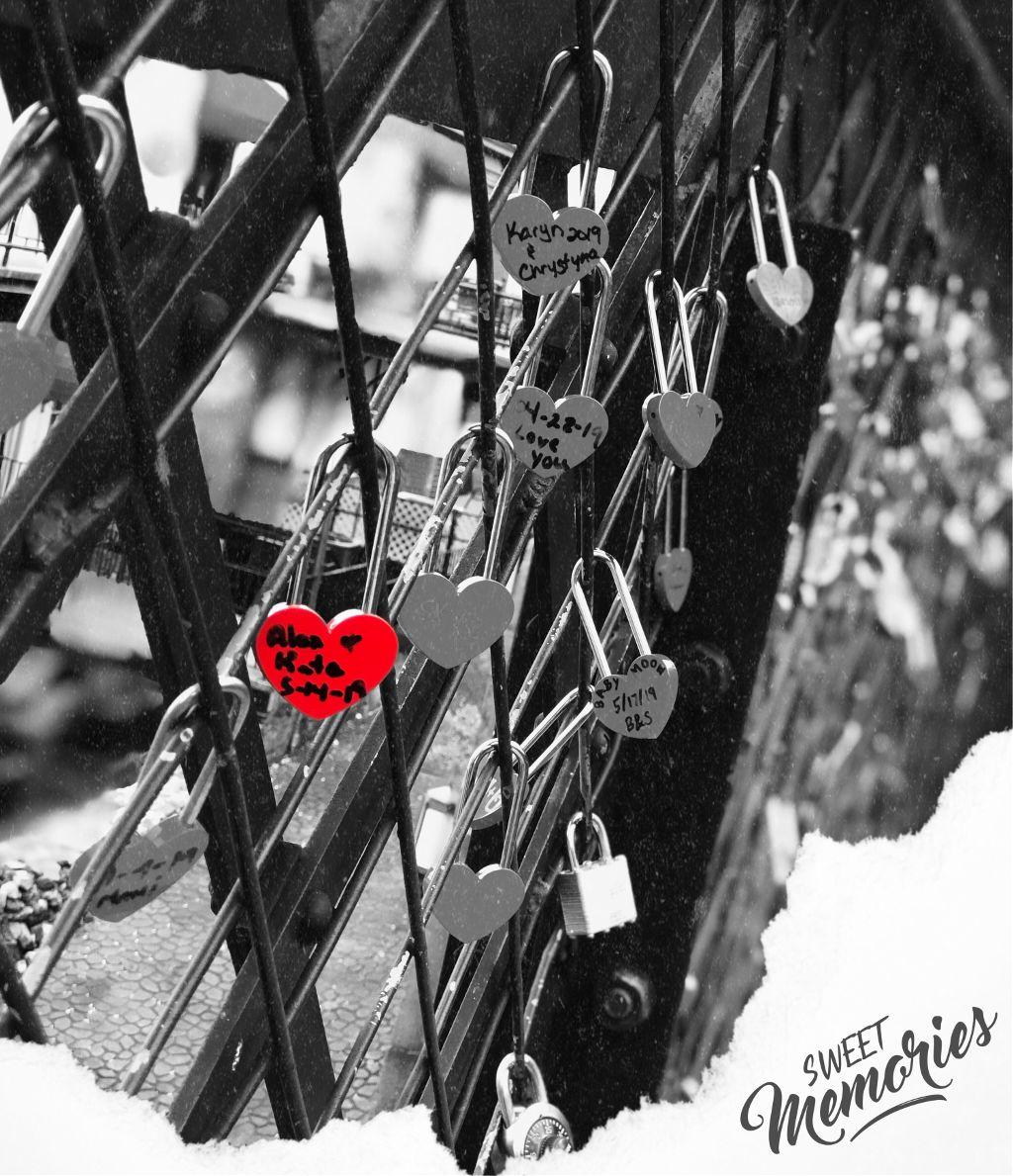 Love Lockscreen Memories Asthetic Astheticbutnotreally