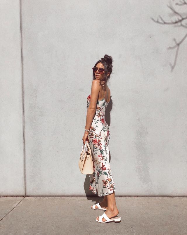 Summer lovin' 💖☀️✨   #summer #dress #summeroutfit #girl #la #style #people #summertime #summerstyle #freetoedit #styleicon #model #picsartvip #hair #purse