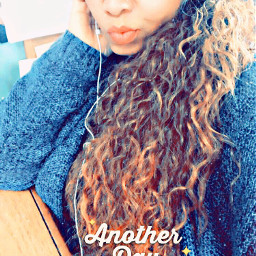 monday curly hair ombre