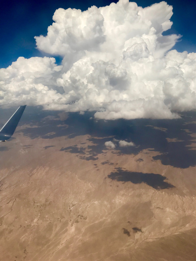 Airplane view #freetoedit #interesting #airplaneview #myphoto #cloud #sky #montain #usa #云与山 #pcairplaneview