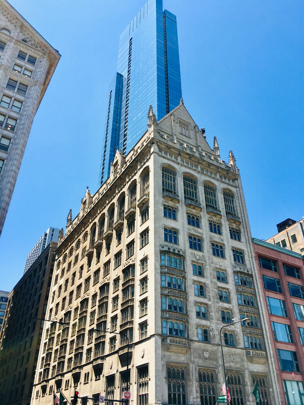 #chicago #downtown #building #windows #bluesky #beautifulday #mypic #myphoto #cellphonephotography #loveit #amazing #architecture #city #streetphotography #michiganave #freetoedit