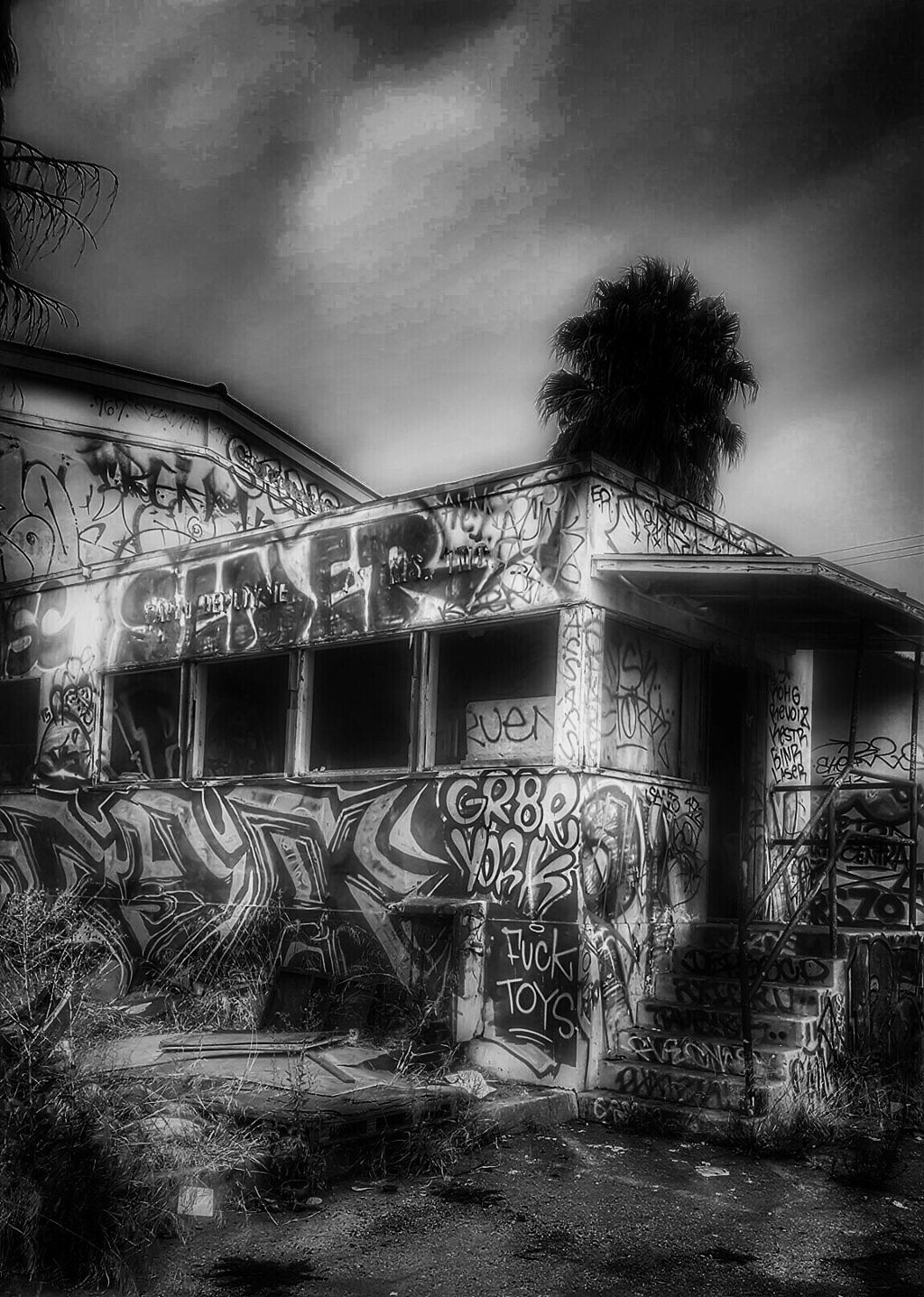 Abandoned graffiti