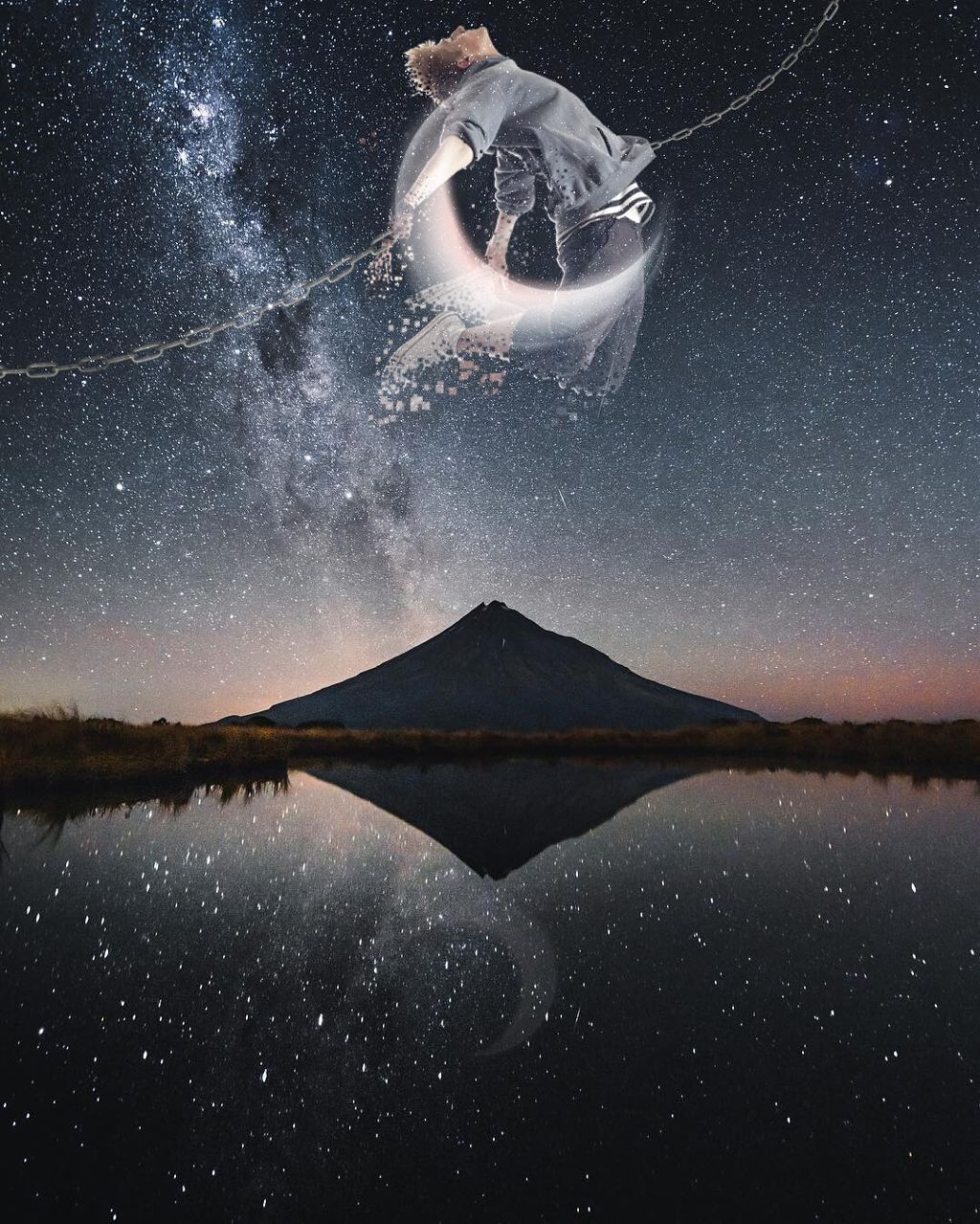 #freetoedit #interesting #art #nature #night #japan #photography #sky #people #editedwithpicsart #madewithpicsart @picsart @picsartchina @freetoedit #flyinhigh #moon #remixit #vsco