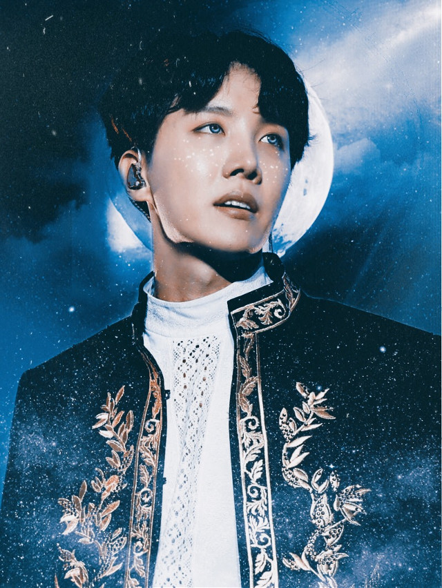 "New Edit Series? Do You Like It 💙🖤  I thought since the first ever edit series i made was galaxy edits, why not bring them back to celebrate my verifiction and ""try"" to show ive improved in a year 😂💙✨  BTS Jung Hoseok Galaxy Prince Edit ✨💙  Like, Comment, Repost If Your Feeling Nice 🖤  Follow My Instagram @/official_joonieedits 💙 Livestream at 1000 followers! 🖤 Or use this link - https://www.instagram.com/official_joonieedits/?hl=en  Tags: #bts #kpop #kpopidol #kpopedits #galaxy #jhope #junghoseok #hoseok  #freetoedit"